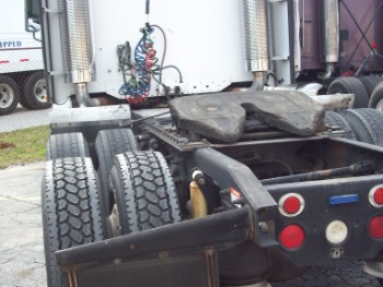 Truck safety is of ultimate importance and the tires are where the rubber meets the road. Metro Truck Services offers complete truck tire services with selections of new, used, and retread tires.